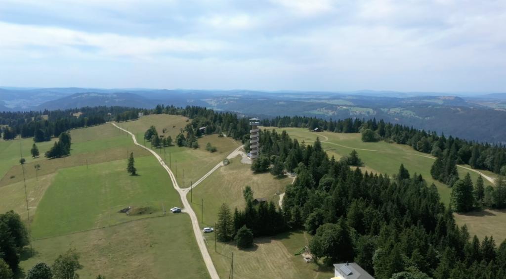 La tour de Moron, édifiée par les parentés et apprentis maçons de suisse